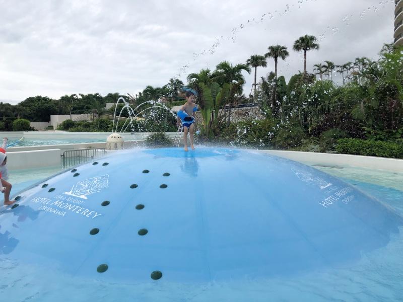 ホテルモントレ沖縄 プール 子供